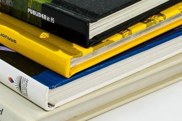 Come stampare libri online: 5 cose da sapere: Stampare libri online: alcuni consigli su come stampare online libri, tesi di laurea, volantini e fotografie. Su Sprint24 stampa online di qualità.