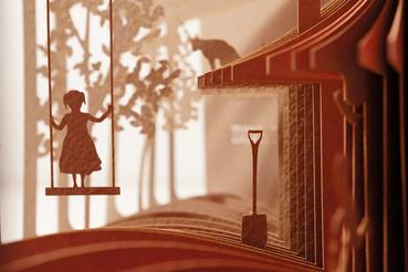 Il taglio (laser) del samurai: Libri a 360°   Se si sia annoiato da piccolo ad ascoltare le storie raccontate dai propri genitori, questo non lo sappiamo, ma il designer e architetto giapponese Yusuke Oono ha creato dei libri di favole con apertura a 360°, che trasformano i ...