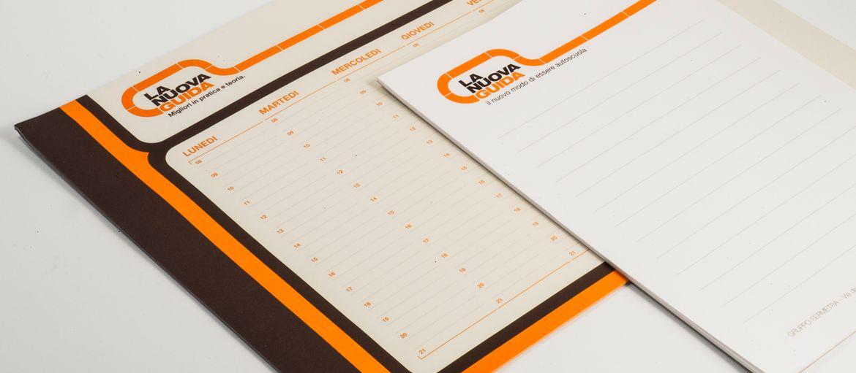 Blocchi appunti, Planning La Nuova Guida: Stampa: 3 pantoni Carta: arcoset 90gr lavorazioni: colla in testa