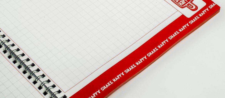 Quaderni con Spirale - Algida: Stampa: 4 colori Carta interno: arcoset 90gr Carta copertina: patinata opaca da 400 gr con plastificazione opaca lavorazioni: spirale metallica (vista interna)