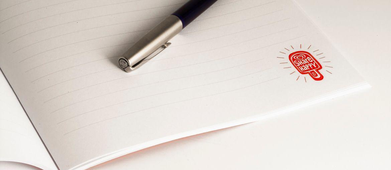 Quaderno Algida: Stampa: 4 colori Carta interno: arcoset 90 gr Carta Copertina: patinata opaca 350 gr Lavorazioni: plastificazione opaca; punti metallici (vista interna)